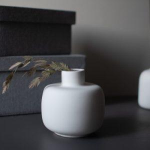 weiße Keramik Vase